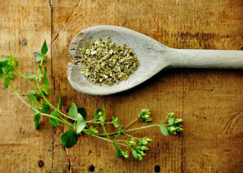How to Treat Body Odor with Herbs